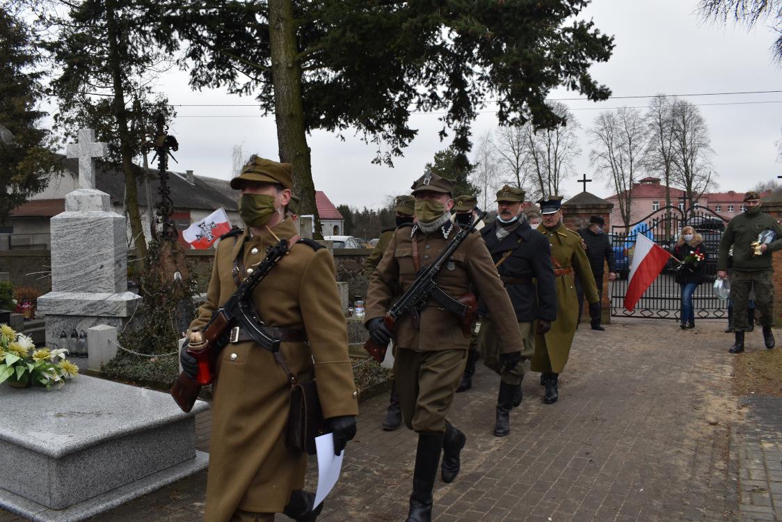 """Cmentarz w Sońsku - Narodowy Dzień Pamięci """"Żołnierzy Wyklętych"""" 2021"""